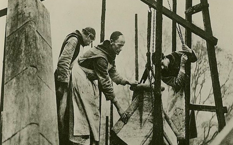 scaffolder monks