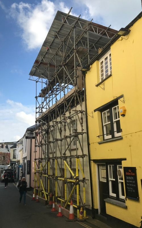 listed building scaffolding in padstow